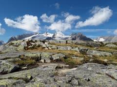 Zwischen Moosfluh und Bettmeralp begegnet dem Wanderer diese Bergkulisse. (Bild: Bruno Ringgenberg, 8. September 2018)
