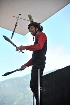 Kaspar Tribelhorn jonglierte mit drei Messern. (Bild: Urs Hanhart, Altdorf, 8. September 2018)