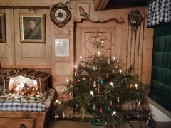 Weihnachtsstimmung in der schönen Stube im fast 400-jährigen Bauernhaus. (Bild: Silvia Zumbühl (Wolfenschiessen, 24. Dezember 2018)