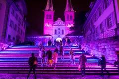 Die Umgebung der Hofkirche Luzern wird mit Lichtprojektionen verzaubert. (Bild: Urs Flüeler / Keystone (Luzern, 9. Januar 2019))