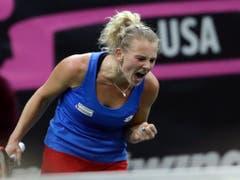Katerina Siniakova fordert Belinda Bencic (Bild: KEYSTONE/AP/PETR DAVID JOSEK)