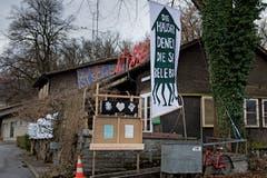 Aussenansicht des besetzten Eichwäldli auf der Luzerner Allmend. (Bild: Corinne Glanzmann, 02. Januar 2019)
