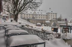 Winterlich gedeckte Gartenterrasse in Engelberg. (Bild: Caroline Pirskanen, 9. Januar 2019)