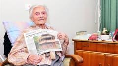 Die Aargauerin Alice Schaufelberger verlor ihren Mann vor 45 Jahren. Seither kämpft sie sich allein durchs Leben. Den goldenen Ehering trägt sie noch heute. (Bild: Hans-Peter Breiter)