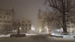 Die Schneedecke ist merklich gewachsen: der Gallusplatz zwei Tage später. (Leserbild: Kurt Knecht-Zemp - 10. Januar 2019)