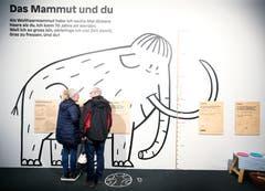 Die Vernissage ist mit über 400 Besuchern ein voller Erfolg. (Bild: Stefan Kaiser (Zug, 13. Januar 2019))