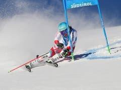 Wendy Holdener kämpft sich im Südtirol auf Platz 9 (Bild: KEYSTONE/EPA ANSA/ANDREA SOLERO)