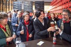 Anstossen auf das neue Amt in der Brauerei Schützengarten. (Bild: Urs Bucher, 15. Januar 2019)