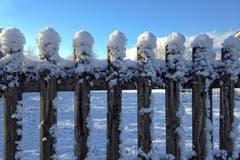 Jetzt geht's dem Schnee an den Kragen. (Bild: Toni Sieber)