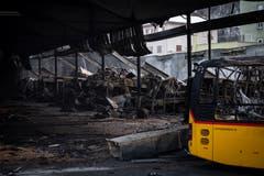 Ein Bild der Zerstörung. Nach ersten Erkenntnissen kamen aber gemäss Polizei keine Personen zu Schaden. (KEYSTONE/Gian Ehrenzeller, 17.1.2019)