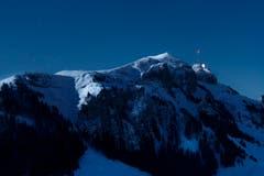Der Hohe Kasten im Mondschein - aufgenommen zwischen Resspass und Fänerenspitz. (Bild: Remo Schläpfer)