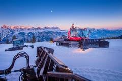 Die Bergbahnen Flumserberg haben insgesamt 17 verschiedene Fahrzeuge für die Ski-Pisten, Loipen, Wanderwege oder die Schlittenabfahrt. (Bild: Urs Bucher)