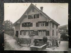 Das Wohnhaus und die Werkstatt von Karl Trunz' Vater an der Flawilerstrasse 6 mussten der Verbreiterung der Strasse weichen. (Bilder: Privatarchiv)