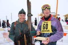 Für das Nostalgie-Skirennen holten die Teilnehmer alte Holz-Skis aus dem Estrich. (Bild: Remo Infanger (Andermatt, 26. Januar 2019))