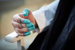 Für einmal macht es nichts, wenn die Farbe nicht nur auf den Nägeln haften bleibt. (Bild: Jakob Ineichen, Luzern, 27. Januar 2019)