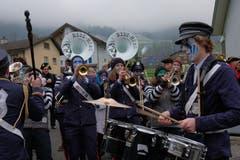 Die Ribi Häxä aus Dallenwil spielten dem Frohsinnpaar ein Ständchen. (Bild: Richard Greuter, 29. Dezember 2018)