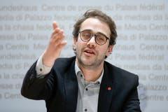 David Roth (SP), Luzern: «Wir machen Politik der hohlen Hand? Ihr macht Politik der langen Finger!» In der Debatte um das Steuergesetz griff SP-Präsident David Roth (Luzern) einen Vorwurf von Gaudenz Zemp (FDP, St.Niklausen) auf und konterte mit diesen harten Worten. (Bild: Keystone)