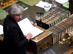 Bei Abstimmungen über mehrere Änderungsanträge, wie es mit dem Brexit weitergehen soll, kam Regierungschefin May am Abend mit einem blauen Auge davon. (Bild: KEYSTONE/AP ©UK Parliament /Jessica Taylor)