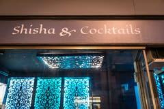 """""""Das Aggressionspotenzial in Shisha-Bars ist sehr viel tiefer als in irgendeinem Club."""" Das sagt ein """"Dreams""""-Stammgast. (Bilder: Hanspeter Schiess)"""