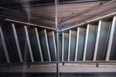Sicht auf die Treppe im ersten rundum erneuerten IC2000-Intercity-Zug, präsentiert von der SBB am Donnerstag, 31. Januar 2019 in Olten. (Bild: Keystone/Adrien Perritaz)