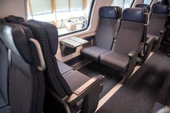 Blick in die 2. Klasse im ersten rundum erneuerten IC2000-Intercity-Zug, präsentiert von der SBB am Donnerstag, 31. Januar 2019 in Olten. (Bild: Keystone/Adrien Perritaz)