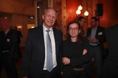 IHZ-Vorstandsmitglieder Peter Schildknecht (CPH Chemie + Papier-Holding AG) und Philomena Colatrella (CSS). (Bild: PD)