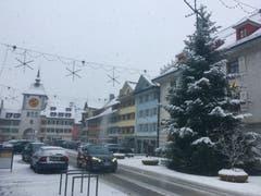 Schneefall im Städtli Willisau. (Bild: Mike Kressbach (Willisau, 5. Januar 2019))
