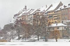 Verschneite Sicht auf die Wiler Altstadt. (Bild: Mirjam Dentler)