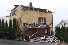 Das Haus ist komplett zerstört und nicht mehr bewohnbar. (Bild: Philipp Zurfluh, 8. Januar 2019)