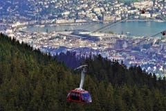 Blick von Fräkmüntegg auf Luzern mit der Luftseilbahn «Dragon Ride». (Bild: Paul von Allmen, Fräkmüntegg, 7. Oktober 2019)
