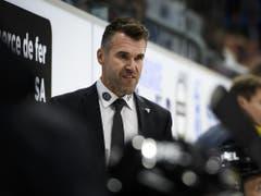 Christian Dubé, Fribourgs Sportdirektor und interimistischer Headcoach, sah bei der 1:4-Heimniederlage gegen Biel einen emotionslosen Auftritt seiner Gottéron-Akteure (Bild: KEYSTONE/ANTHONY ANEX)