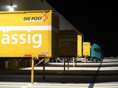 Das Resultat sind kürzere Transportzeiten und -wege der Sendungen. (Bild: KEYSTONE/TI-PRESS/ALESSANDRO CRINARI)