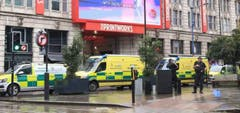 Ein Grossaufgebot an Rettungskräften rückte aus. (Bild: BBC)