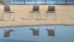 Herbstliches Warten auf Gäste am Festspielplatz in Bregenz. (Bild: Fredy Zünd)