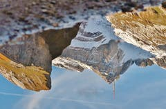 Ein majestätischer Berg, sogar in der Pfütze: der Säntis. (Bild: Franz Gerhard)