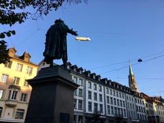 Vadian greift nach dem Zeppelin. (Bild: Martin Manser)