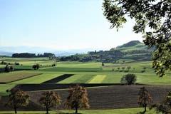 Herbstlandschaft mit frisch gepflügten Feldern, Gunzwiler-Moos. (Bild: Josef Habermacher, Gunzwil, 17. Oktober 2019)