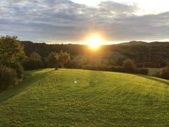 Aufgehende Sonne über Rotmonten. (Bild: Armin Kappeler)