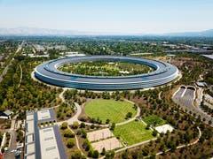 Apple Park, Cupino Das Apfelringli dominiert aus der Luft das Silicon Valley. Architekt: Norman Foster Bauzeit: 2013–2017Bild: Shutterstock