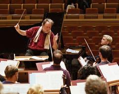 Das Lucerne Festival Orchestra bei einer Probe in Shanghai mit Chefdirigent Riccardo Chailly.