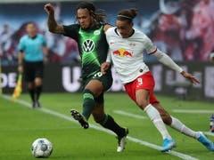 Kevin Mbabu kommt bei Wolfsburg zum ersten Einsatz von Beginn an (Bild: KEYSTONE/EPA/FELIPE TRUEBA)