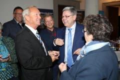Die beiden SVP-Politiker Paul Winiker und Franz Grüter im Gespräch. (Bild: Philipp Schmidli, Luzern, 20. Oktober 2019)