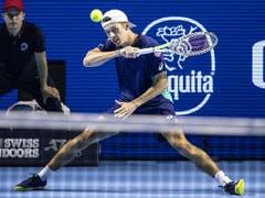 Alex de Minaur zwingt Federer zwar vermehrt in Ballwechsel, trotzdem ist der 20-jährige Australier chancenlos (Bild: KEYSTONE/ALEXANDRA WEY)