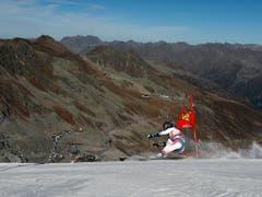 Bei sommerhaften Bedingungen fährt Pinturaults Landsmann Mathieu Faivre auf Platz 2 (Bild: KEYSTONE/AP/GABRIELE FACCIOTTI)