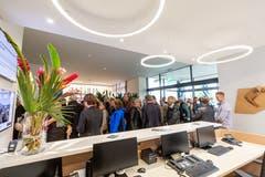 Gemäss des Stadtpräsidenten seien die ersten Rückmeldungen von Mitarbeiterinnen und Besuchern positiv ausgefallen: «Die hellen Räume und der freundliche Empfang sowie die Zuger Kunst im Haus tragen zum guten Klima bei.»