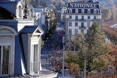Die Läufer auf der Haldenstrasse. (Bild: Andy Mettler/swiss-image, Luzern, 27. Oktober 2019)