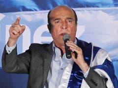 Der 62-jährige Daniel Martínez vom Regierungsbündnis Frente Amplio muss in Uruguay in die Stichwahl um das Präsidentenamt. (Bild: KEYSTONE/EPA EFE/RAUL MARTINEZ)