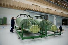 Aus über 10000 Einzelteilen werden in der Strukturbauhalle komplette Flugzeugstrukturen wie Rumpf, Flügel oder Steuerflächen zusammengebaut. (Bild: Corinne Glanzmann, Buochs, 1. Oktober 2019)