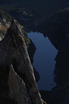 Frei schwebend über dem Fählensee? Nein, Tiefblick vom Fählenschafberg. (Bild: Heinz Weber)