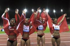 2013: Weltklasse ZürichDie Staffel begeistert im Letzigrund und schafft einen Schweizer Rekord - in 43,21 Sekunden. Mit dabei ist wie gewohnt auch Kambundji (ganz links). (Bild: Keystone)